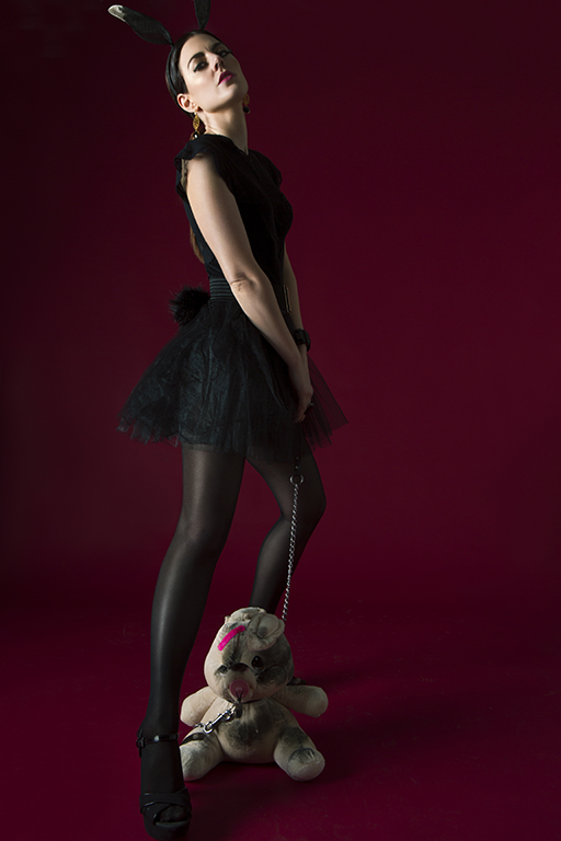 Model with easterbunny